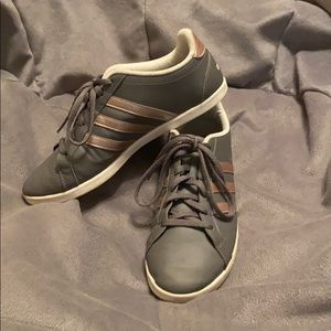 VGUC gorgeous grey & rose gold Adidas sneakers.7.5